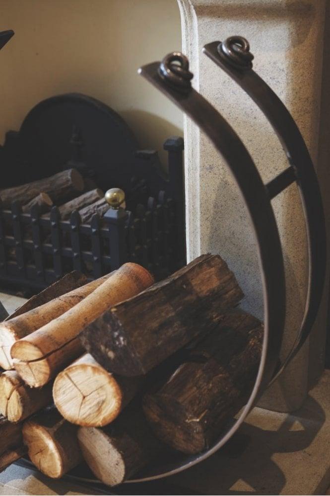 "Belltrees Forge Large 28"" Jacobean Log Ring"