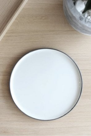 Esrum Dinner Plate in Ivory Grey