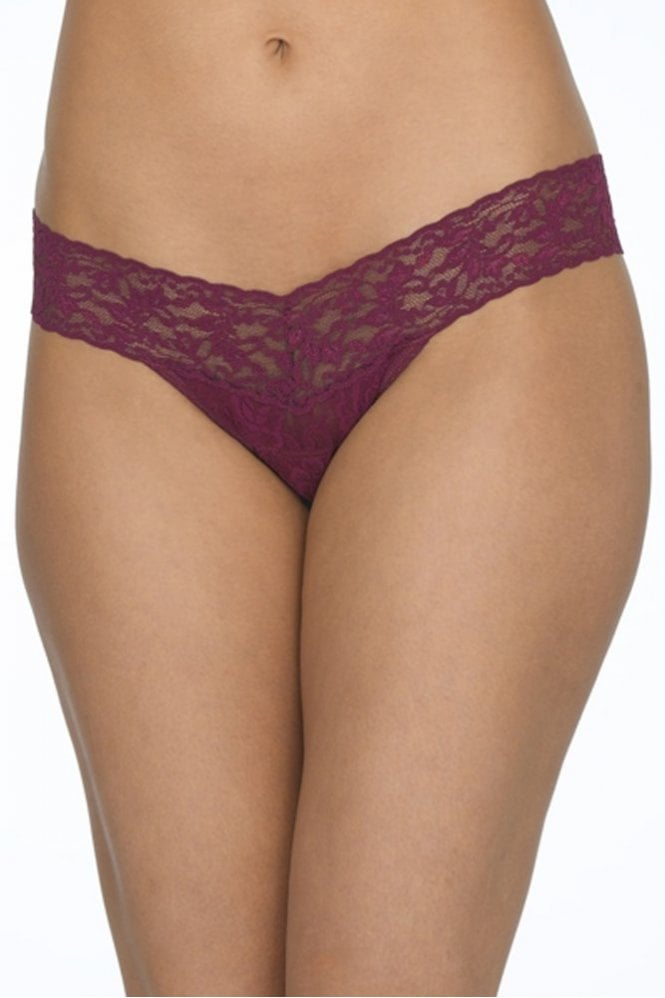 Signature Lace Low Rise Thong in Angora Red