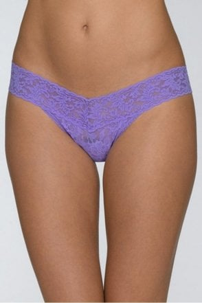 Signature Lace Low Rise Thong in Electric Orchid