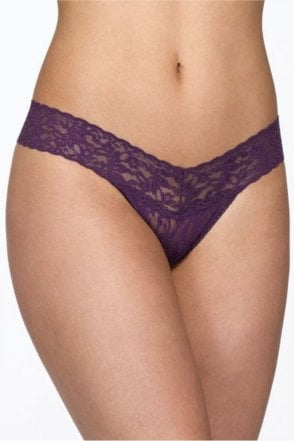 Signature Lace Low Rise Thong in Fig