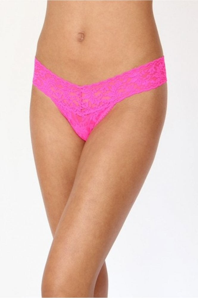 Hanky Panky Signature Lace Low Rise Thong in Passionate Pink