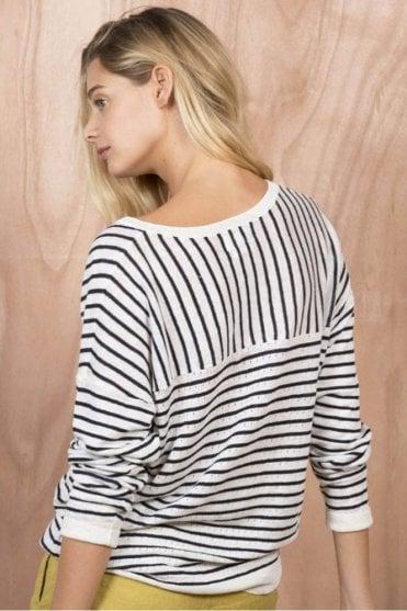 Aplomb Linen Sweater in Ecru/Navy