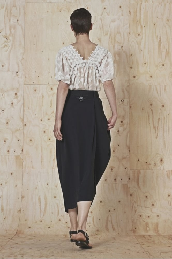 HIGH Recite Fill Coupe and Ribbon Lace Top