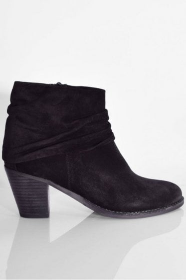 Bonnie Suede Boot in Black