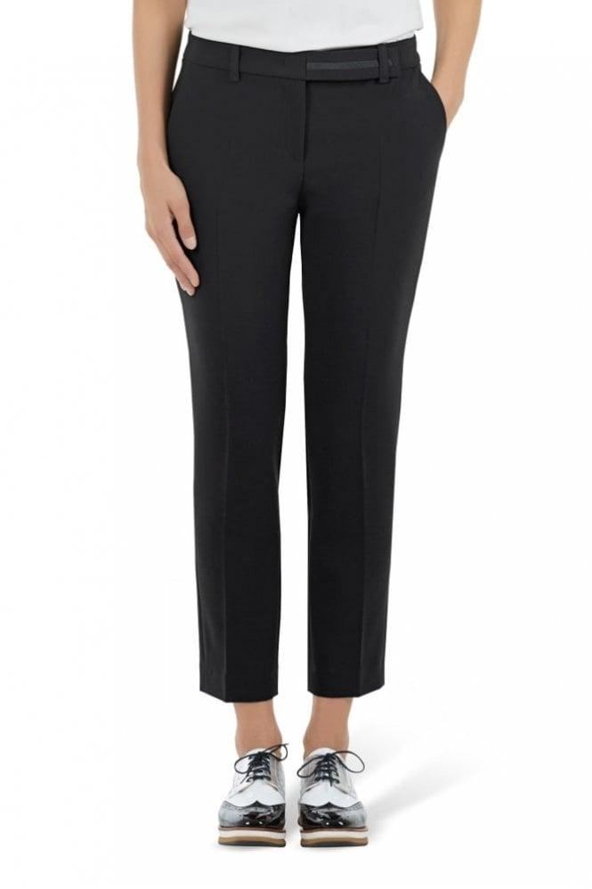 Marc Cain Pants with Pleats in Black