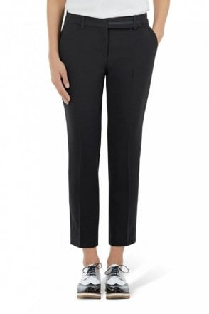 Pants with Pleats in Black