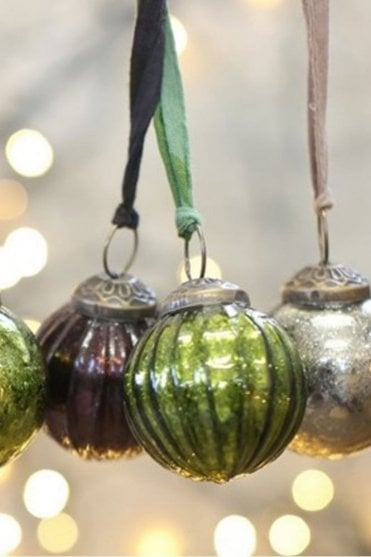 Zia Green Bauble - Textured