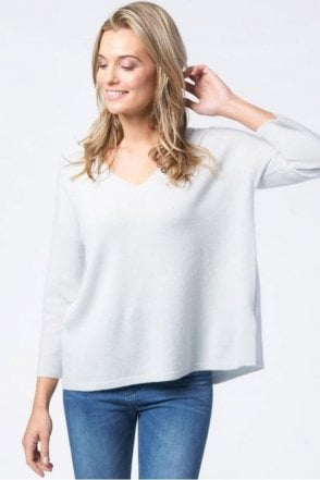 Cashmere V-Neck with Back Slit in Mint