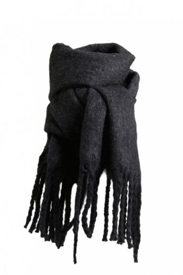 Helina Scarf in Black