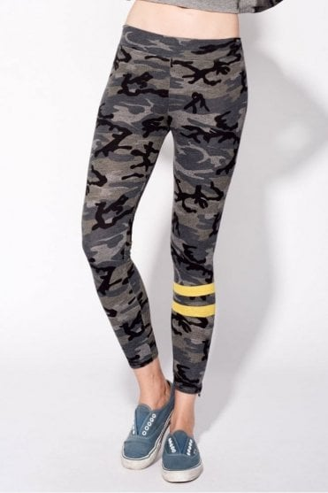 Camo Zipper Yoga Pant in Camo Grey