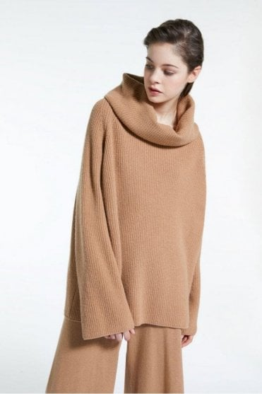 Biblios Wool Yarn Pullover in Camel