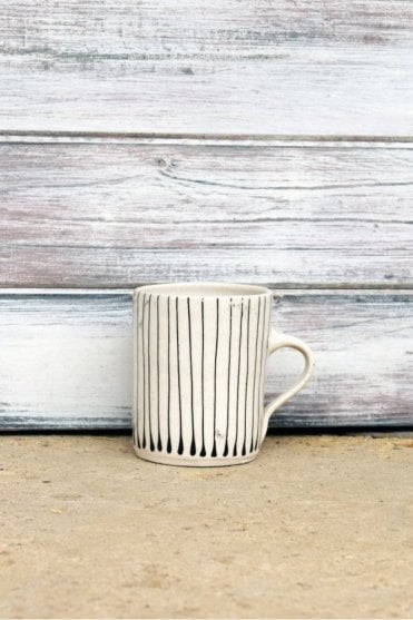 Thin Stripe Mug in Black